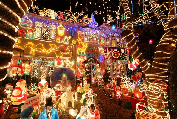 Southend residents to be allowed to POWER CHRISTMAS LIGHTS FROM LAMP POSTS