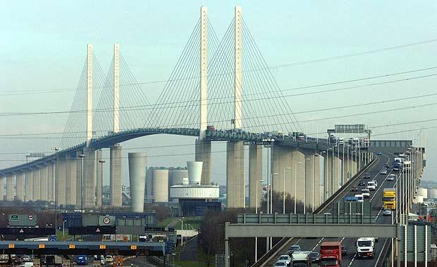Both DARTFORD CROSSINGS CLOSED AGAIN due to a blockade by Essex First pressure group