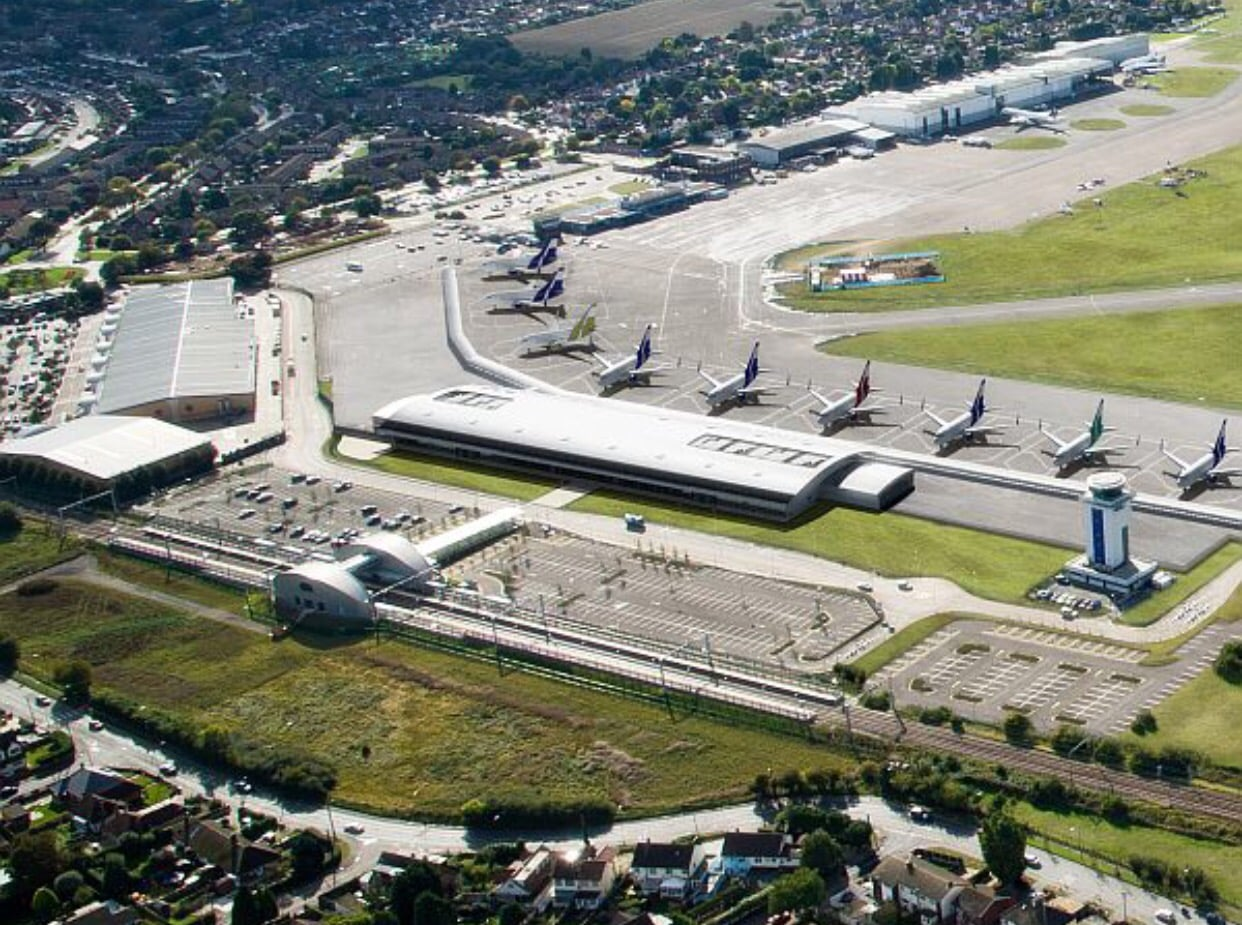 BREAKING: POLICE RAIDS – 28 people arrested in Southend Airport HIJACK plot