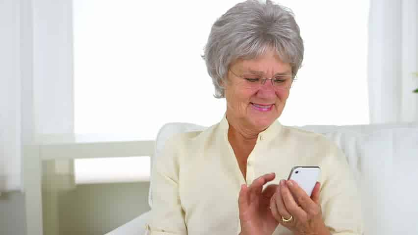 Text conversation with 59-year-old mum has '…' for 53 minutes before she posts 'OK'