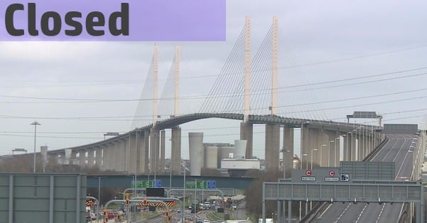 Traffic chaos as DARTFORD CROSSING CLOSED in both directions