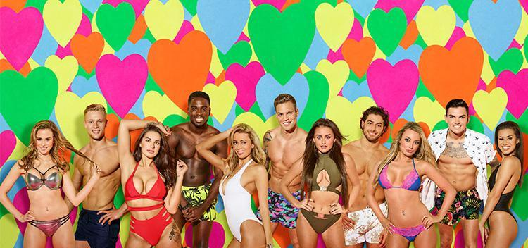 VIEWERS' HORROR as Love Island contestant snaps his c*ck off in live show