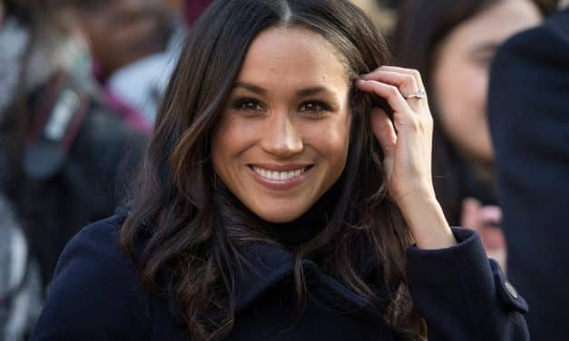 Royal Wedding CANCELLED after Meghan Markle deported by accident